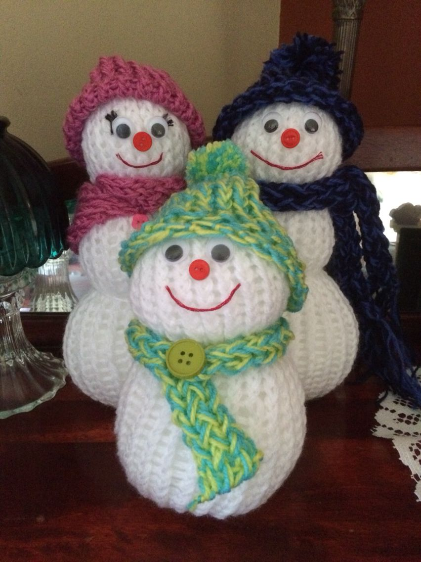 Loom knit snowman. DIY Christmas decorations … | Loom kni…