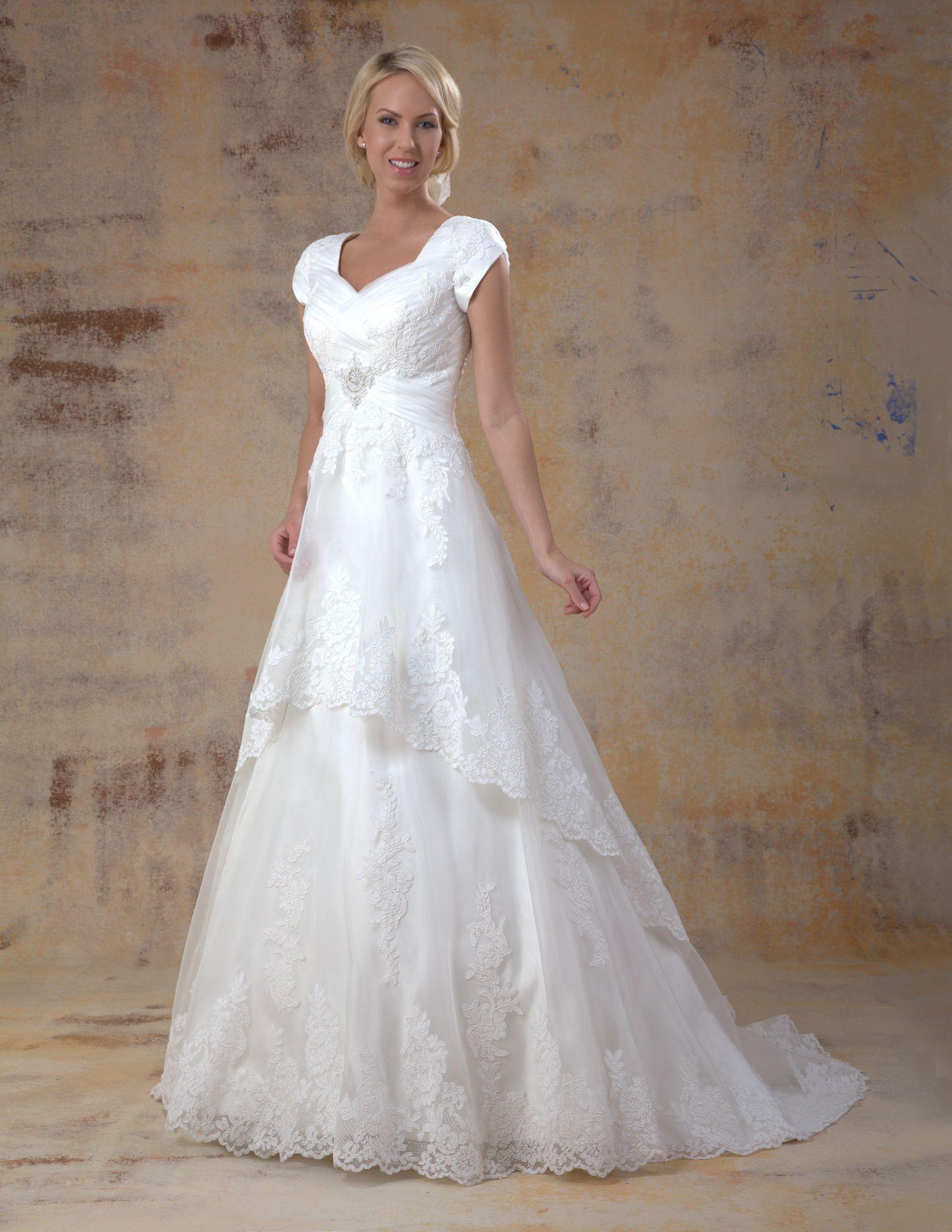 Cheap modest wedding dresses  DLKGC The dress I tried on at Fantasy Bridal  vestido de novia