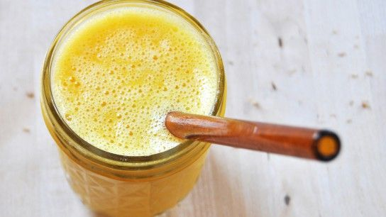 Sunshine Energy Smoothie  2 oranges 1 Tbsp apple cider vinegar Honey