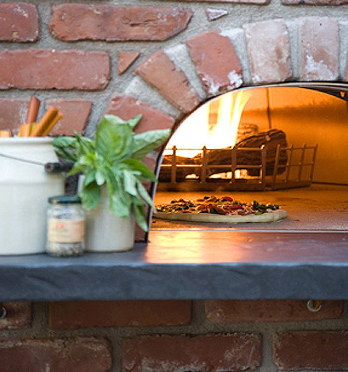 Great Outdoor Kitchen Complete With Pizza Oven: Outdoor Pizza Oven. Sandy Koepke Interior Design