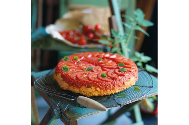 Upside-down tomato, cheese and basil pie