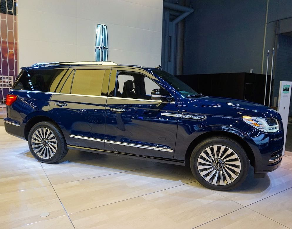 This Is The New Lincoln Navigator At Nyautoshow A Family Member