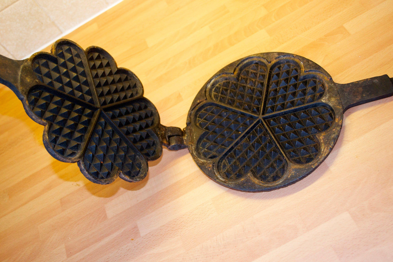 Rare Norwegian Mustad Waffle Iron Cast Iron Krumkake Maker Round Waffle Nordic 3 By Triggerstreasure On Etsy Waffle Iron Norwegian Waffles Waffle Irons