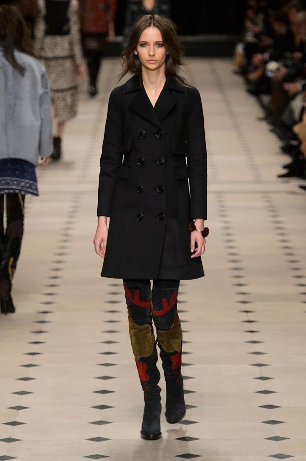 Tendenze moda autunno/inverno 2015/16: Stivali cuissardes | http://www.theglampepper.com/2015/12/01/13794/