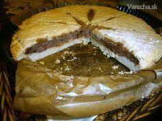 Linecký koláč plnený tvarohom a čokoládou