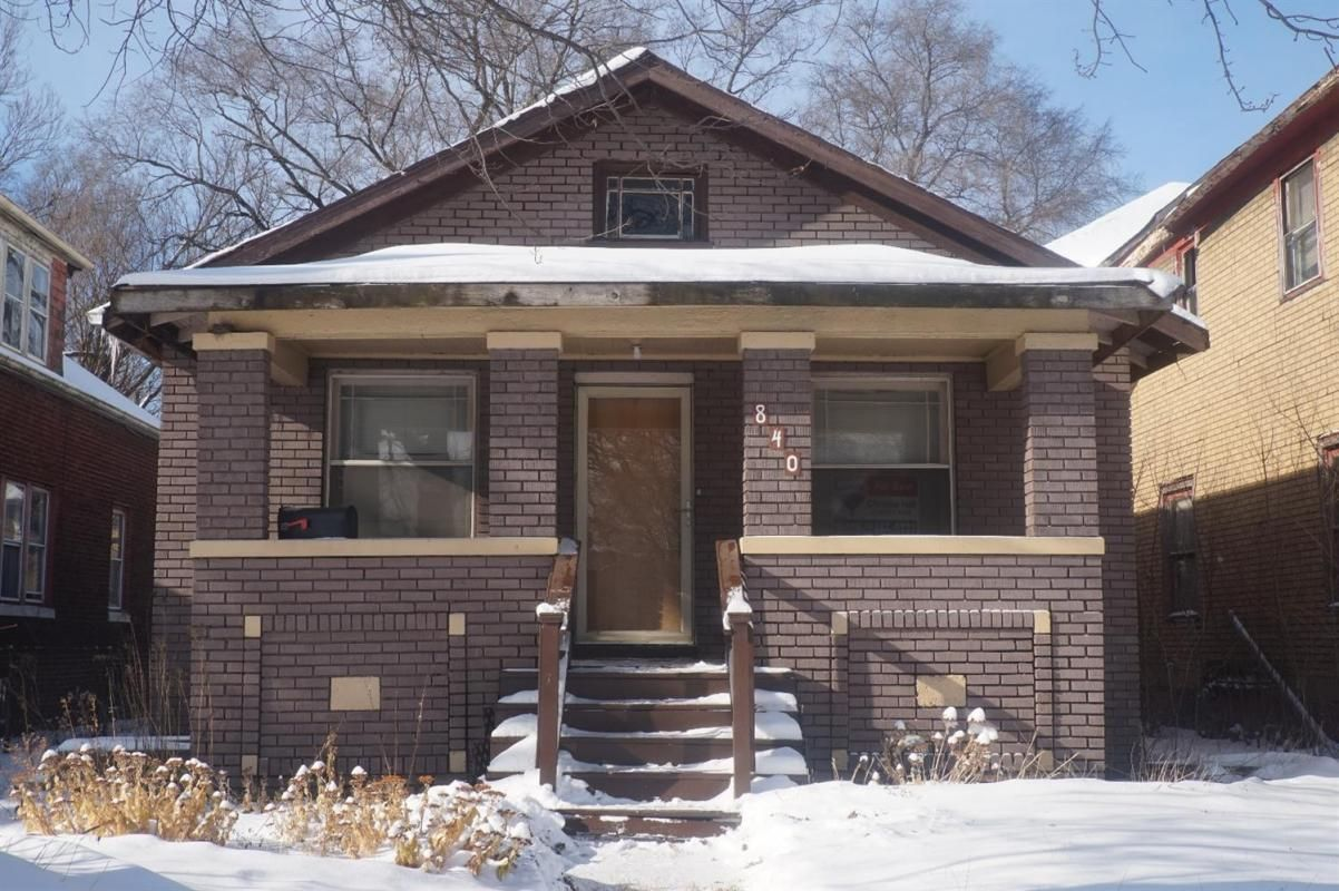 GREAT INVESTMENT PROPERTY! COVERED FRONT PORCH, Large ...