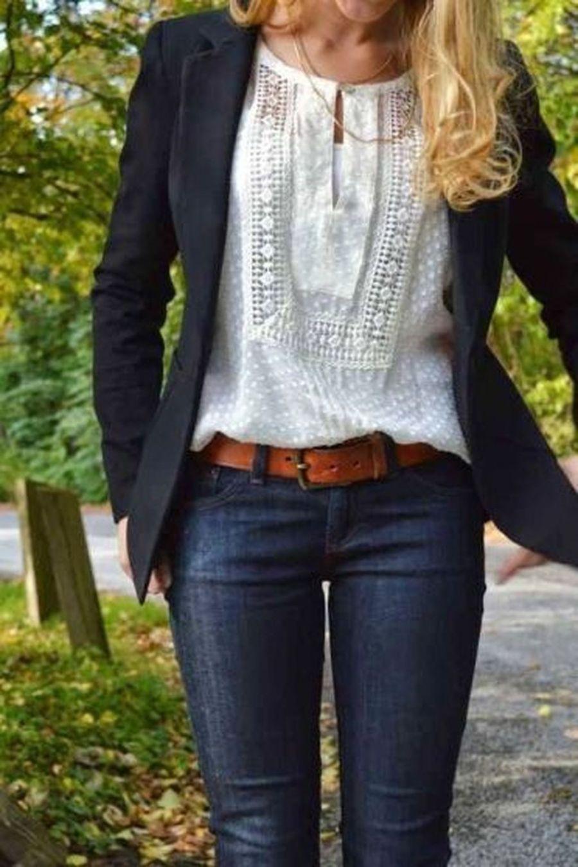40 Stunning Women Blazer Outfits For Work So You Look Modern - DRESSCODEE 3