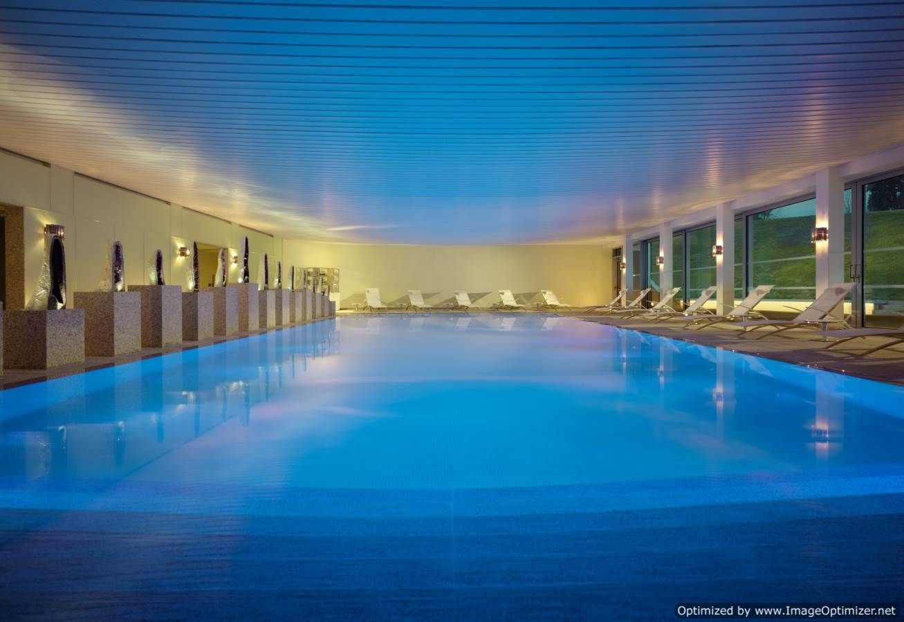 Swimmingpool Ozon Cutting Edge Design At Coworth Park Spa Featuring Royal