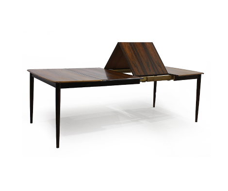 Dining table in rosewood designed by Henry Rosengren