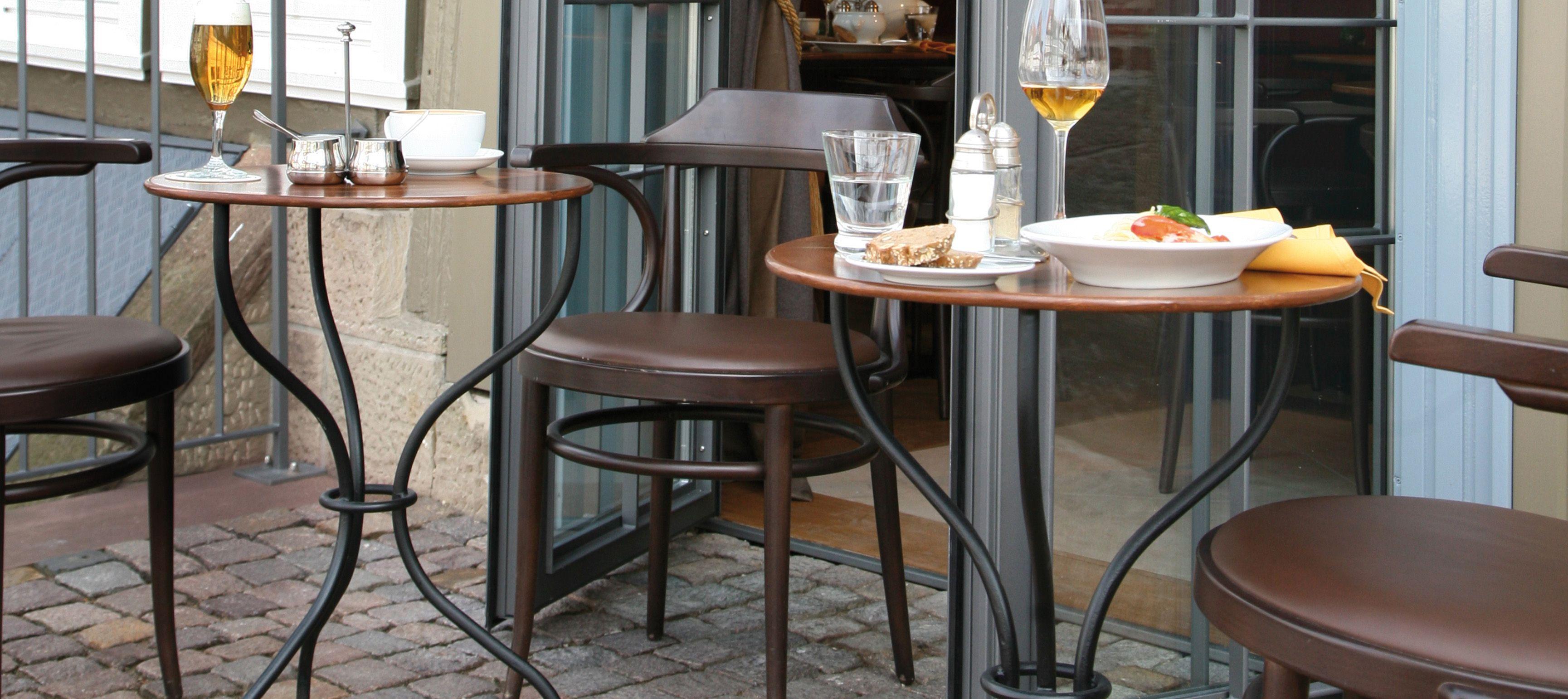 Chaise 233 By Thonet Design Chaises Bois Table Bar Chaise