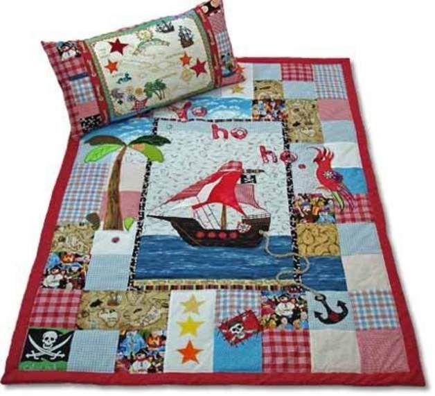 quilt patchwork decke gro er pirat patchwork decke pirat und deckchen. Black Bedroom Furniture Sets. Home Design Ideas