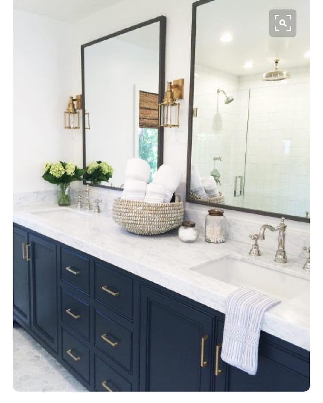 35 Likes 4 Comments Sara Farmer Buildingafarmerhouse On Instagram I M Loving This Bathroom Inspiration For Our Boys Jack Jill Bath Pinterest Very