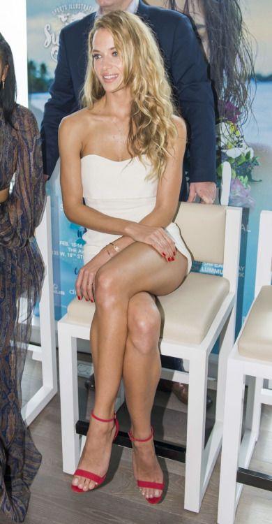 Terrific looking crossed legs   Crossed legs
