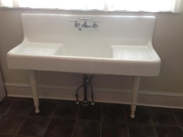 Captivating This Is A Clarion Farmhouse Drainboard Sink With Legs By Strom Plumbing  With 8 Inch Center Faucet Drillings. The Sink Basin Is 9 Inch Deep, 24 Inch  Lon