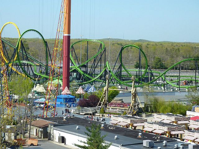 Great Escape In Lake George New York Vs Six Flags New England In Agawam Massac Water Theme Park Fun Water Parks Water Park