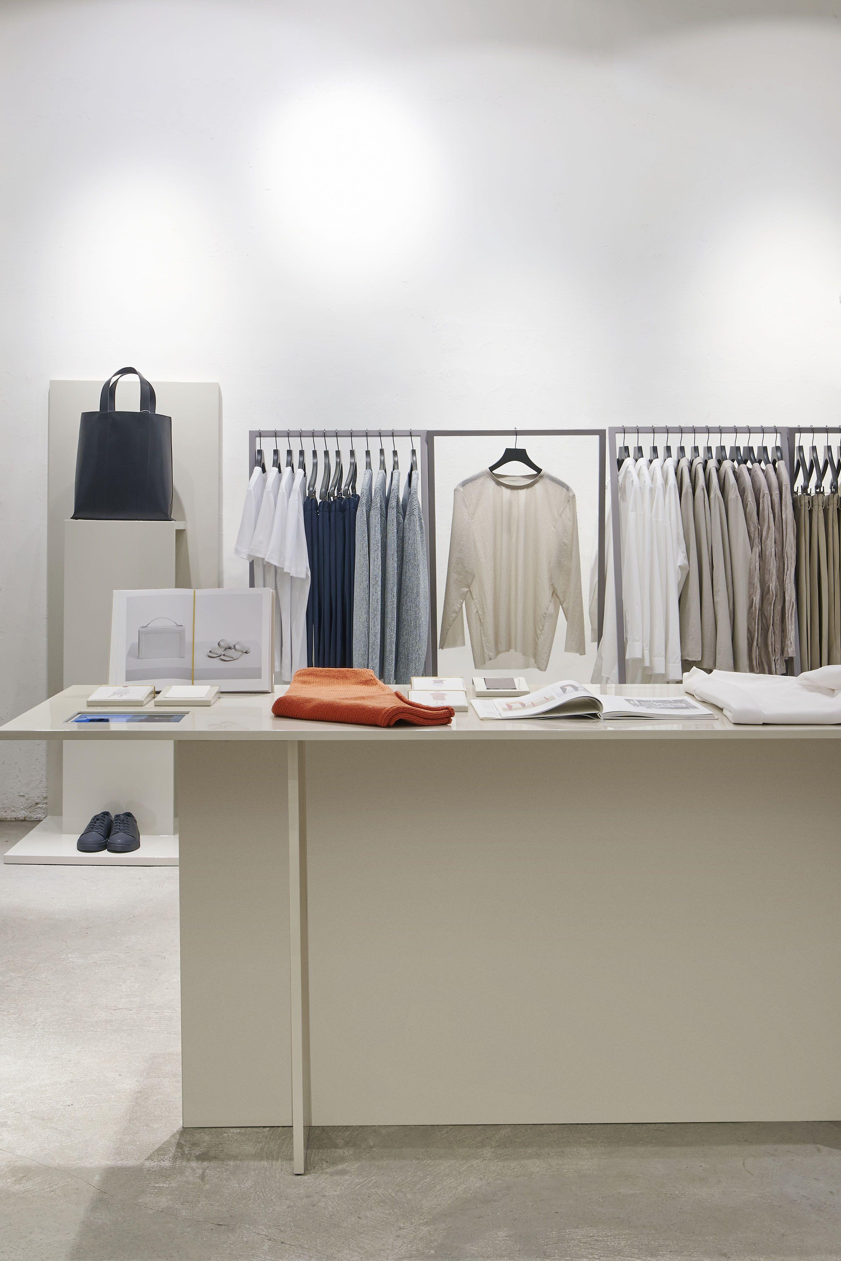 cos stores queen 39 s road pop up hong kong concept. Black Bedroom Furniture Sets. Home Design Ideas