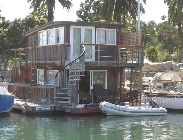 Santa Barbara S Only True Houseboat Is For Sale Maison