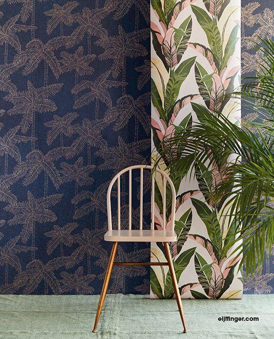 Eijffinger Vivid. Vivid is een wereldse collectie die modisch, innemend en speels is en soms een tikje rebels... Wuivende palmen, frisse bananenbladeren en dromerige spatjes. Een naïef geknipt bloemenveld, goed te combineren met een abstract dessin van gestrooide bloemetjes. #behang #wallpaper #interieur #interior #inspiratie #inspiration #home #deco #wonen