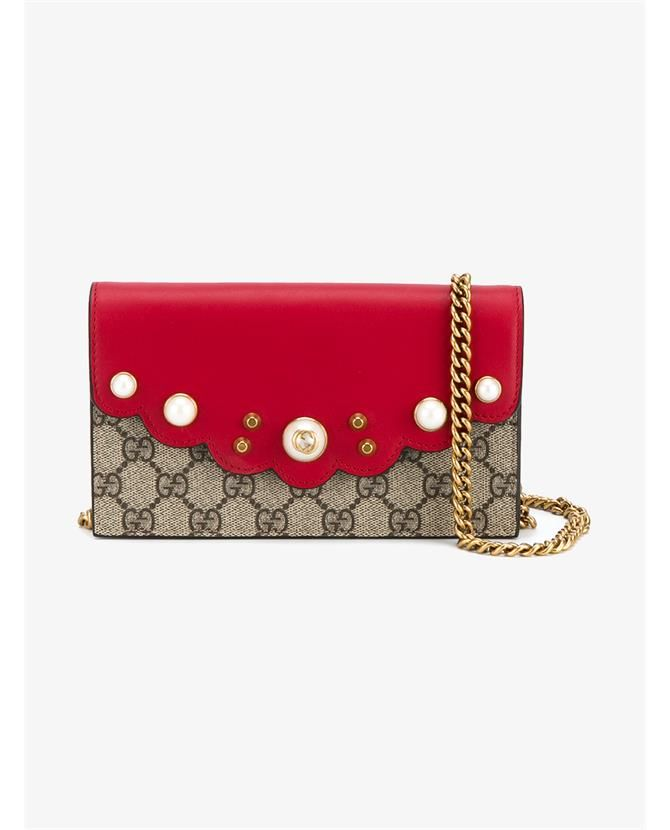 2e1f06a0307ca5 GUCCI Gg Supreme Continental Chain Wallet. #gucci #bags #leather #lining  #denim #accessories #shoulder bags #wallet #silk #