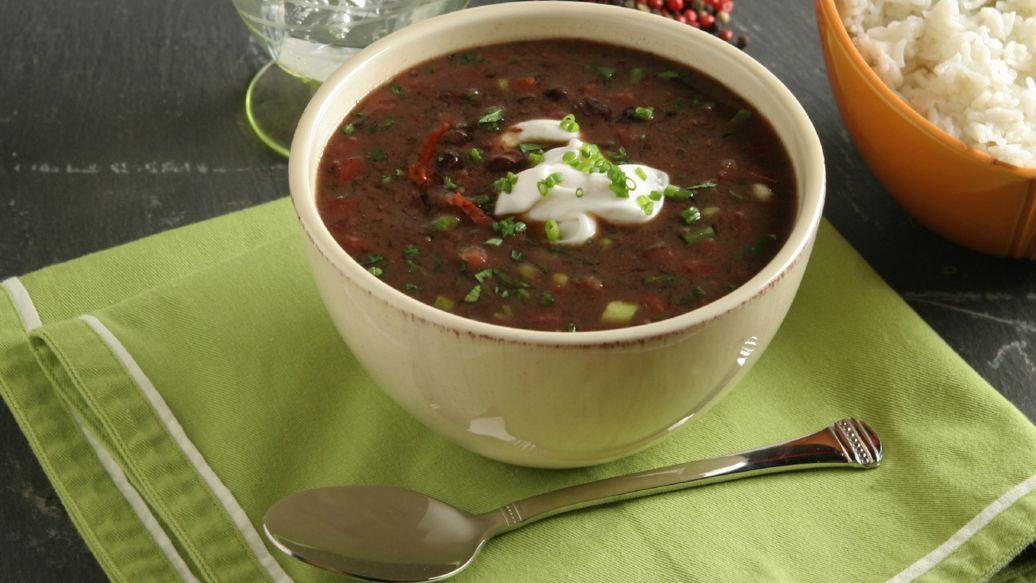 Soupe de haricots noirs rapide et épicée
