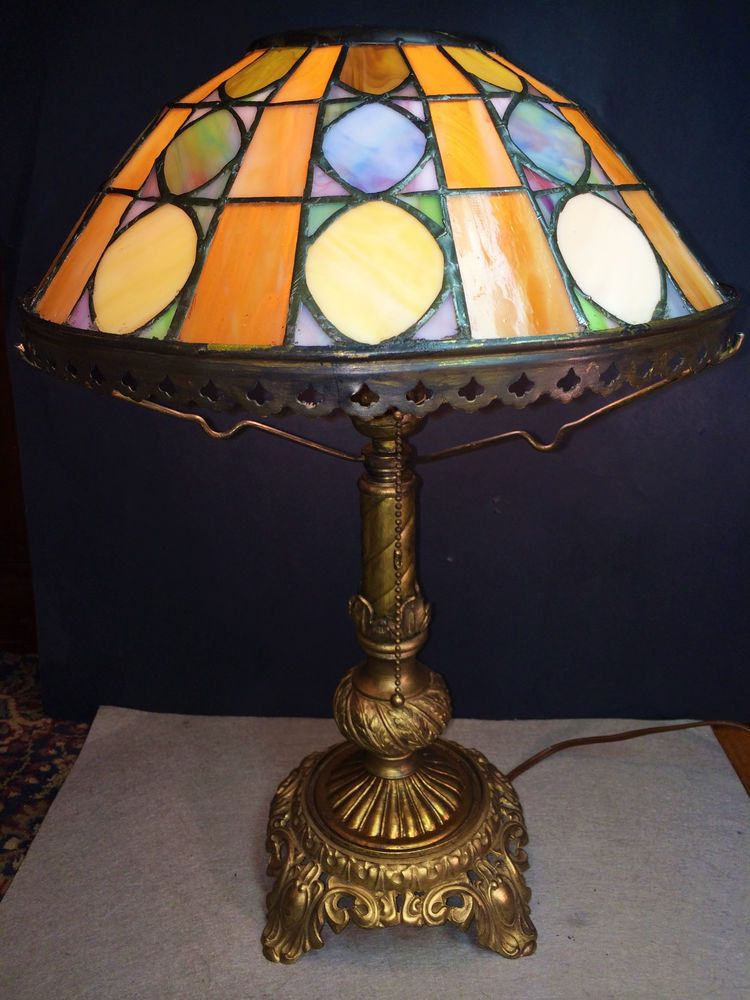 AWESOME ANTIQUE BRASS TABLE LAMP W/LEADED MULTICOLOR SLAG GLASS SHADE  C.1930 #