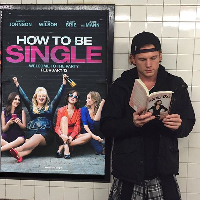 I pretty much wrote the book on #HowToBeSingle and now Dakota and Rebel just made the movie. I'm torn between having these ladies teach me a few new tricks or making a move on this blond babe. Why not split the difference and take him with me - it's a guaranteed happy ending. #WinWin #HotDudesReading #Sponsored
