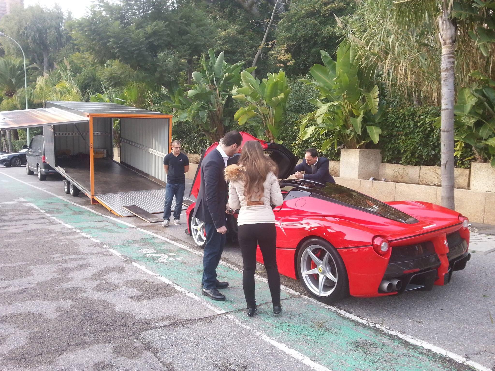 Red LaFerrari, Black roof, grey rims   Ferrari laferrari ...