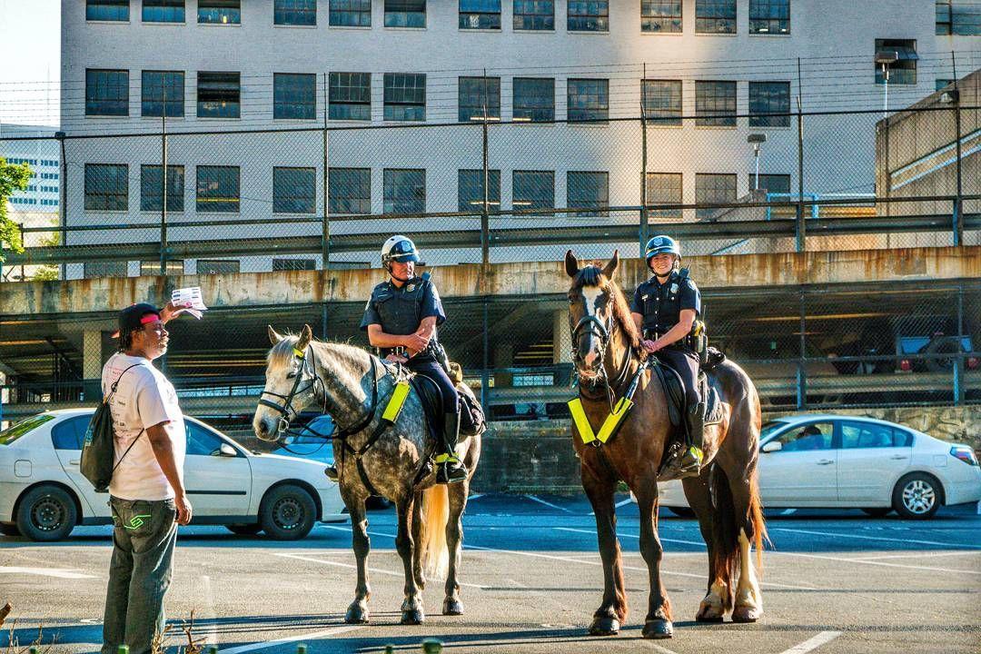 Bildergebnis für atlanta mounted police