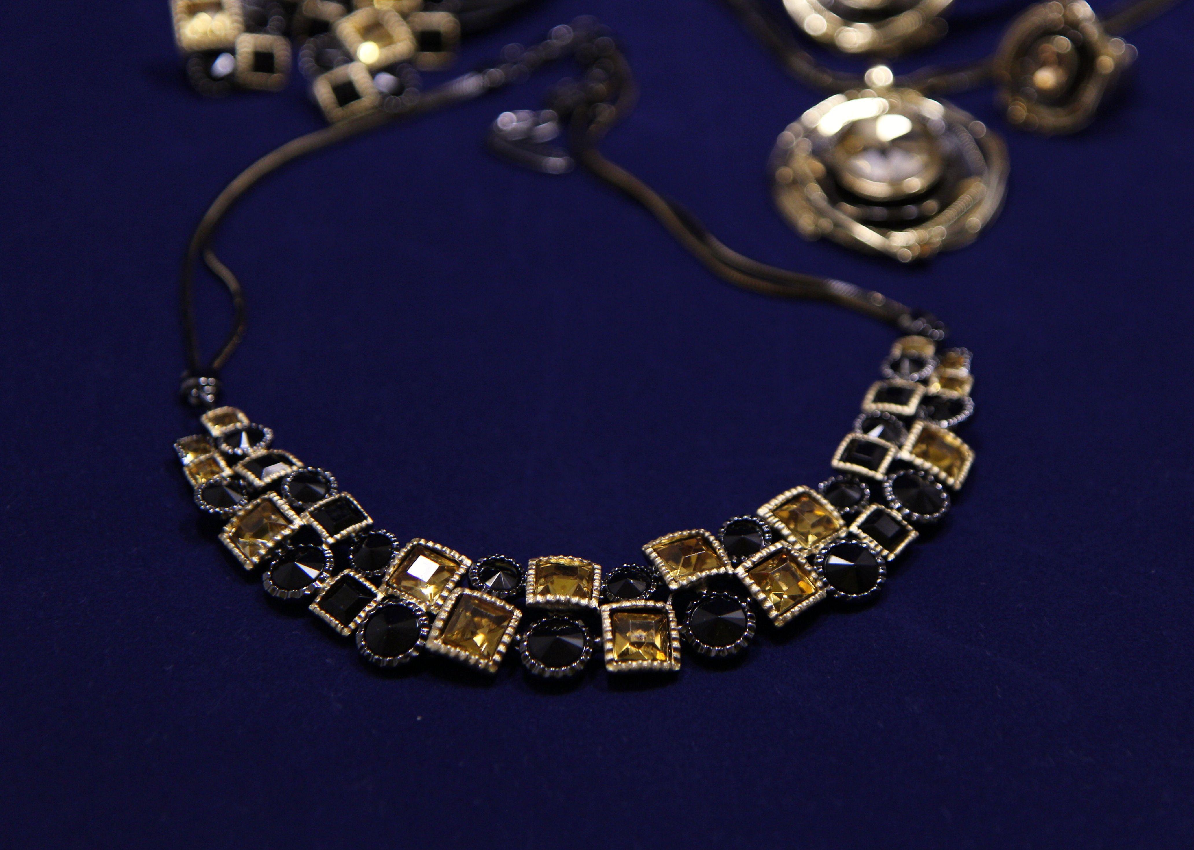 f074744aa Náhrdelník štrasový, zlatá, antracitová | Novinky | Jewelry ...