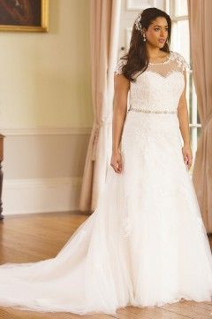 Plus Size Bridal Gowns With An Illusion Neckline Can Have A Modest Earance This Elegant