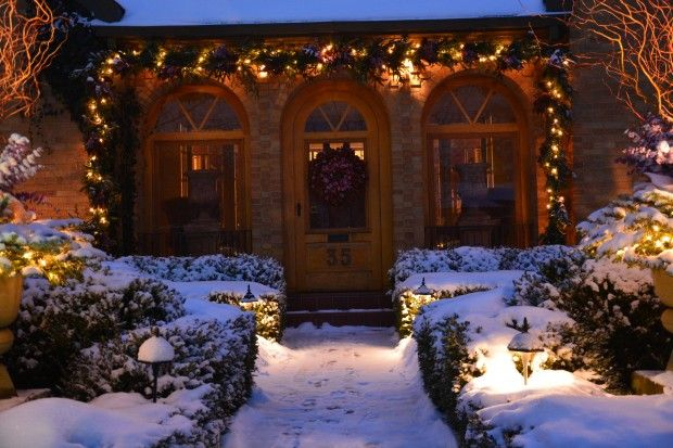 This home is decorated beautifully for the winter! The wreath and garland make the home look very welcoming!