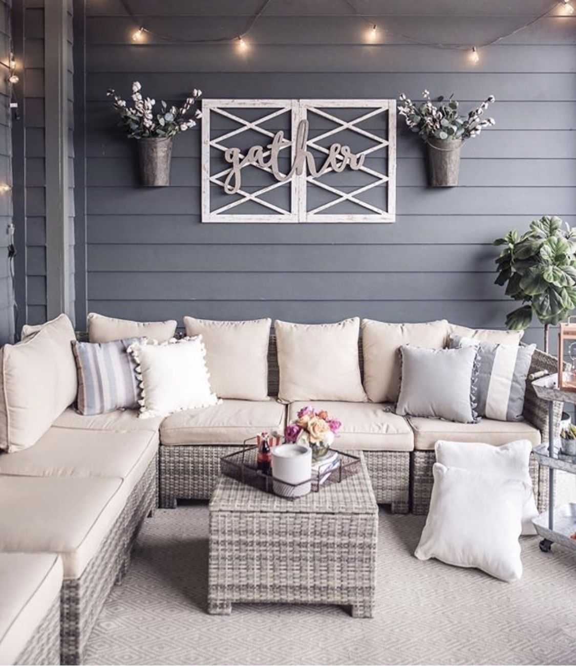 Cozy outdoor space | Patio furniture sets, Apartment patio ...