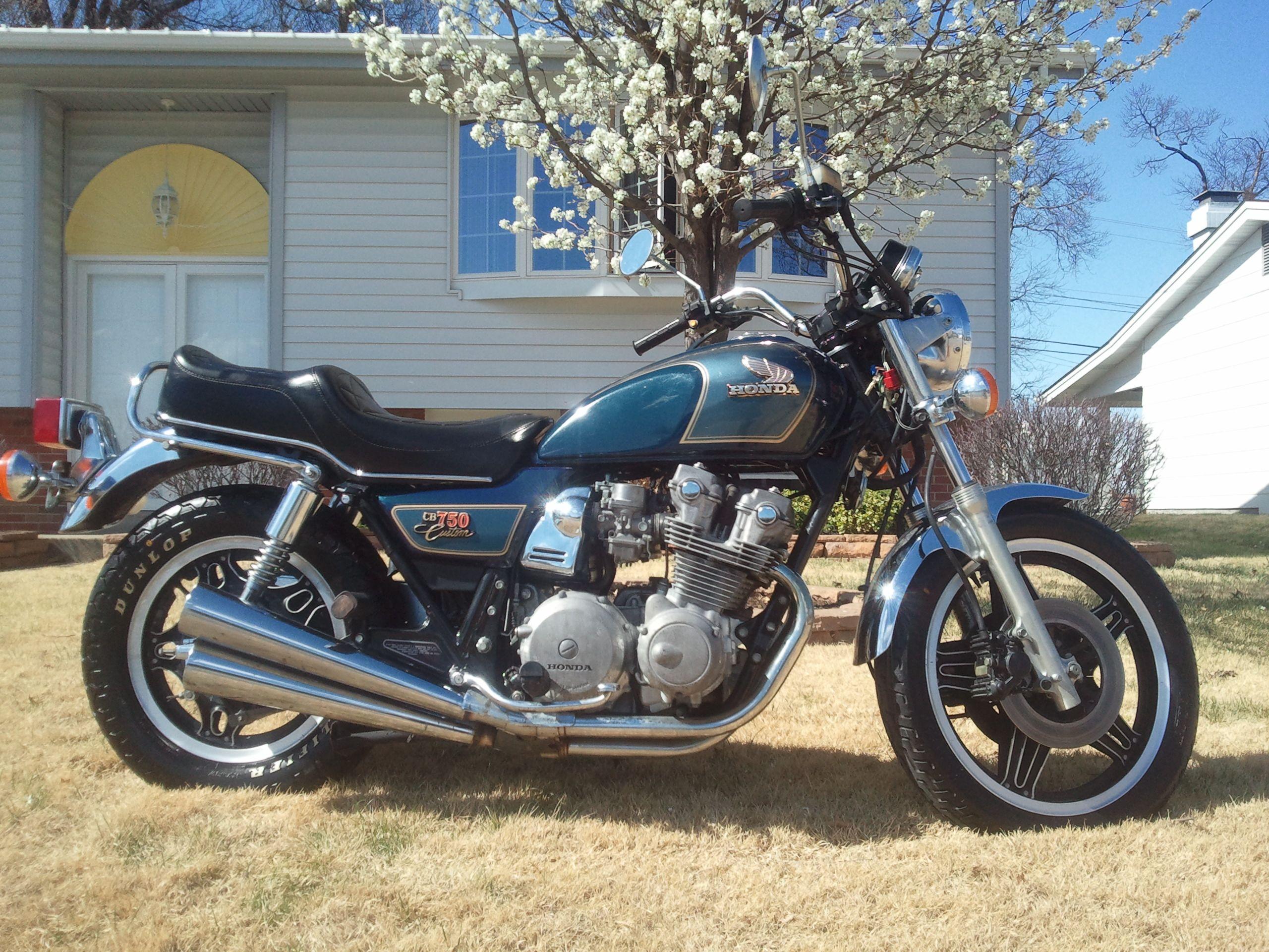 1981 Cb750 Custom 2011 Vintage Honda Motorcycles Honda Bikes Yamaha Bikes [ 1920 x 2560 Pixel ]