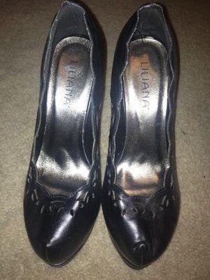 Cute Black Heels- 6.5