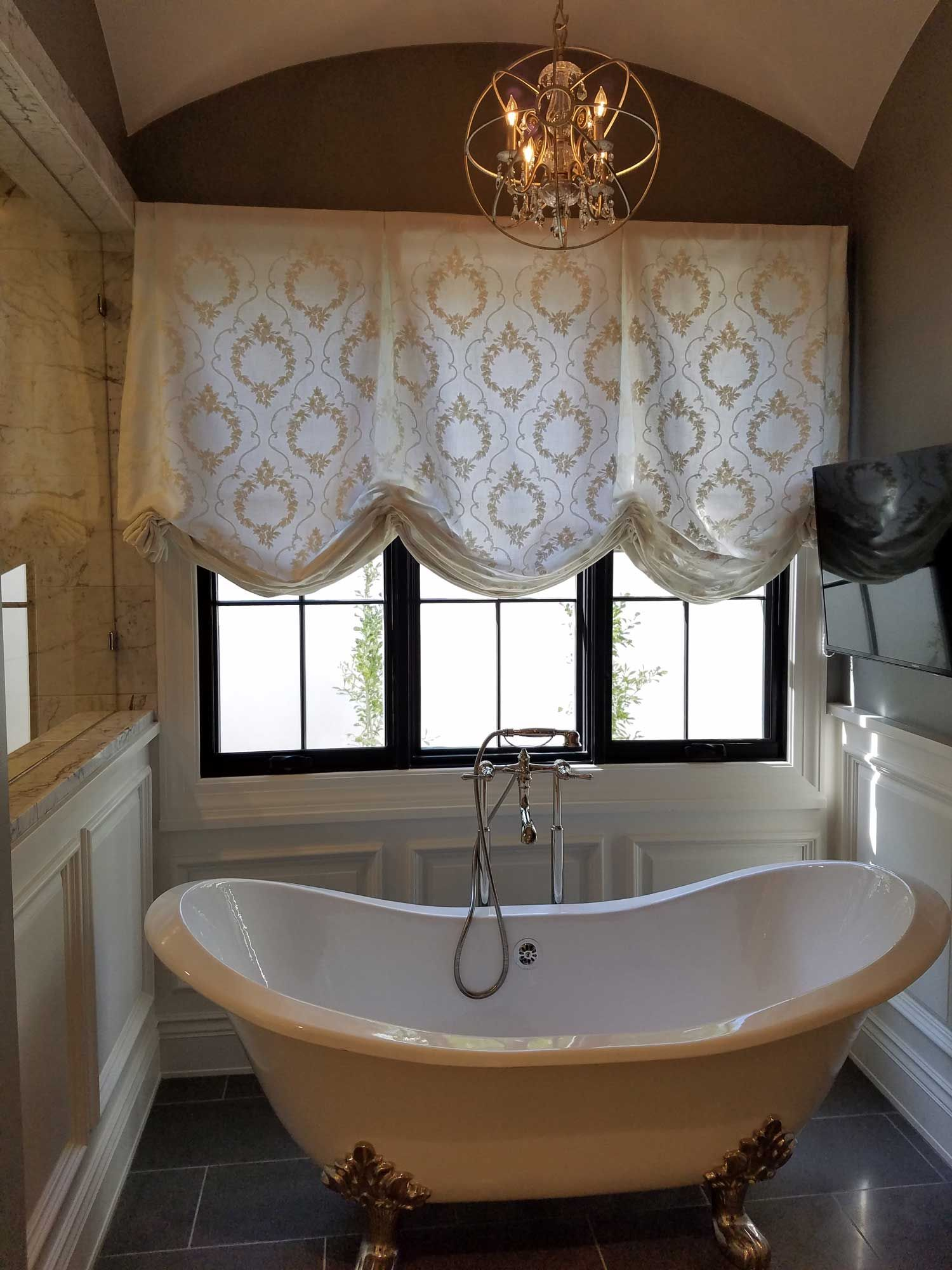 London Roman Shade Over Bathroom Window Bathroom Window Decor Curtains With Blinds Bathroom Window Curtains [ 2000 x 1500 Pixel ]