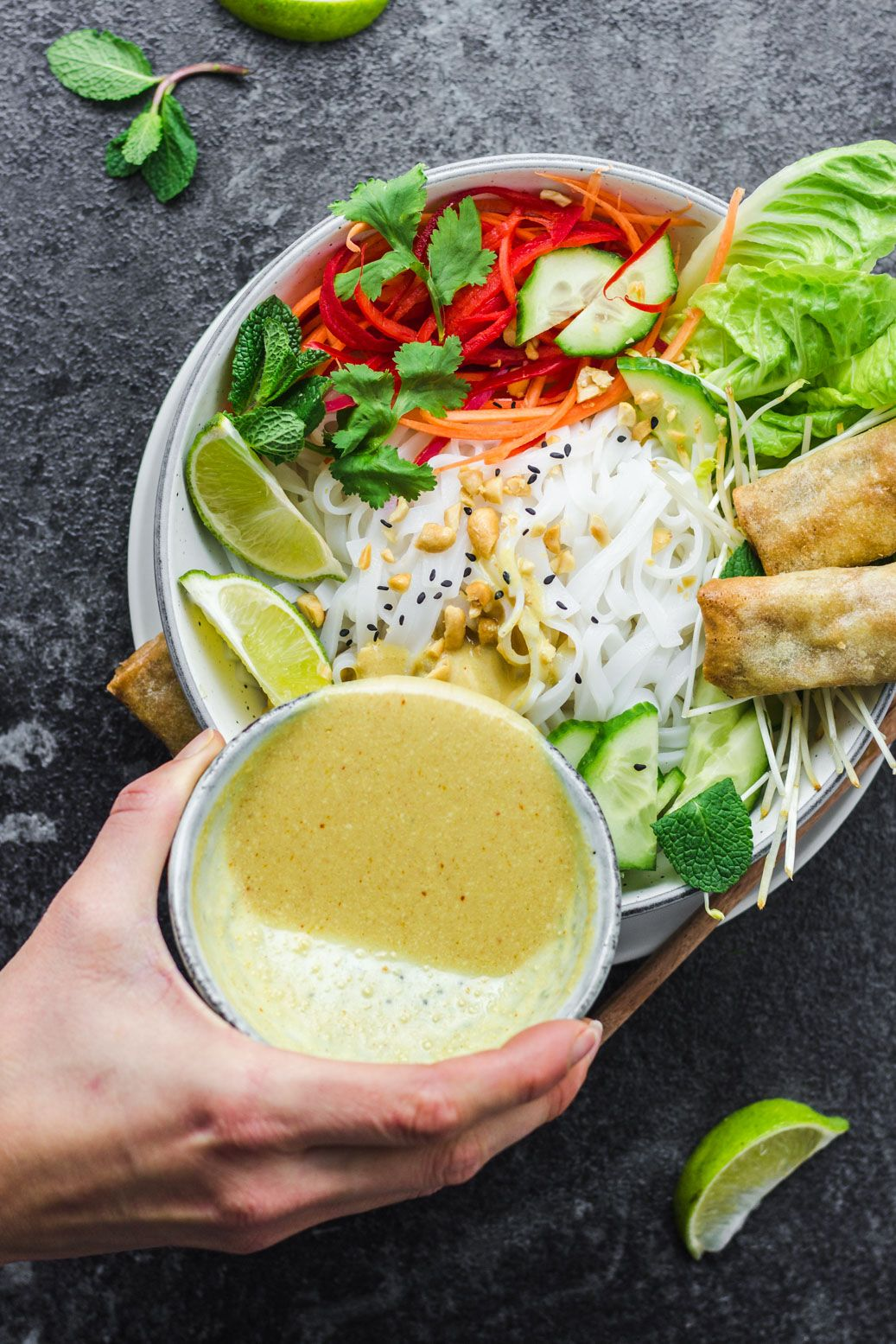 Asian Noodle-Bowl with yellow Currysauce #vegan #glutenfree #oilfree