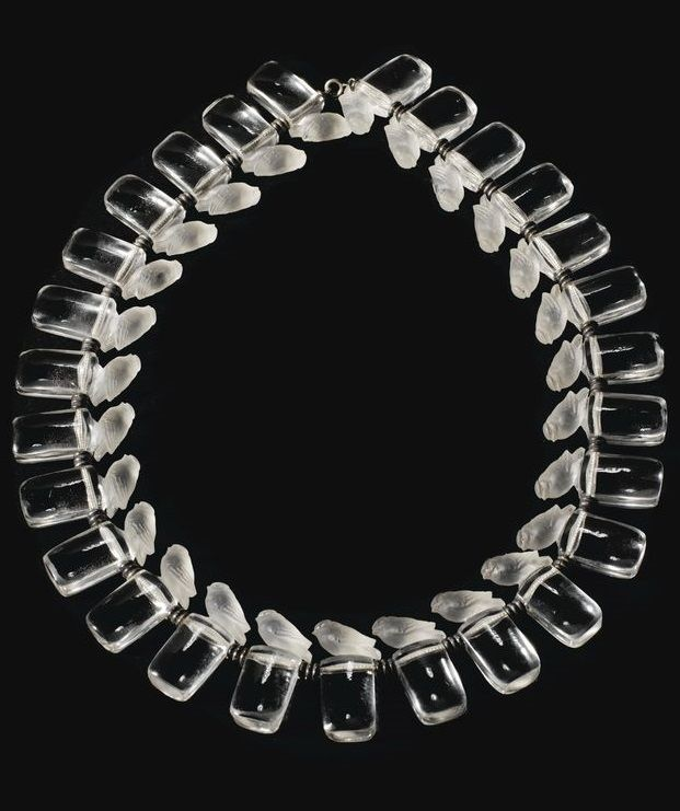 'MOINEAUX TÊTE LEVÉE', AN ART DECO MOULDED, FROSTED GLASS AND METAL NECKLACE BY RENÉ LALIQUE, THE DESIGN CREATED IN 1929, NOT PRODUCED AFTER 1947. #Lalique #ArtDeco #necklace