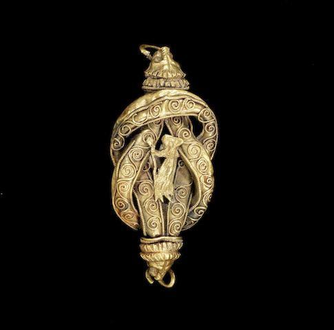 A Hellenistic Herakles knot pendant