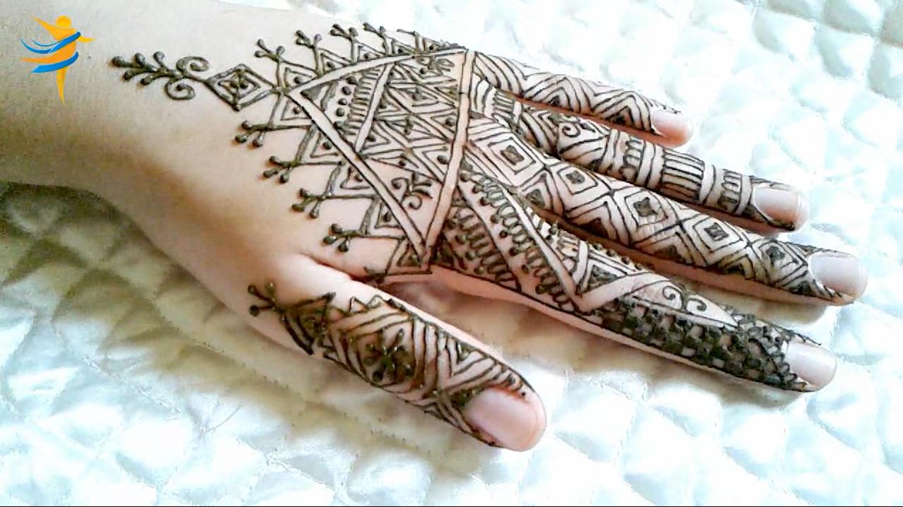 النقش المغربي الفاسي بسيط و انيق للمناسبات و الاعياد Hand Tattoos Henna Hand Tattoo Hand Henna
