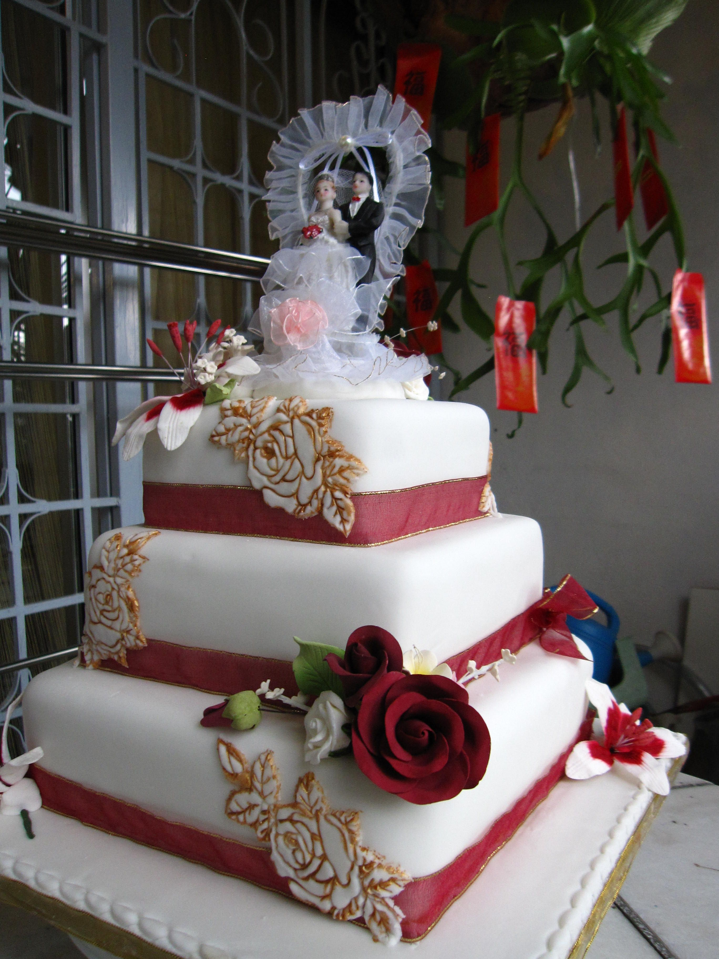 Wedding Cake Idea For Norwich Sweethearts. Maroon And Gold
