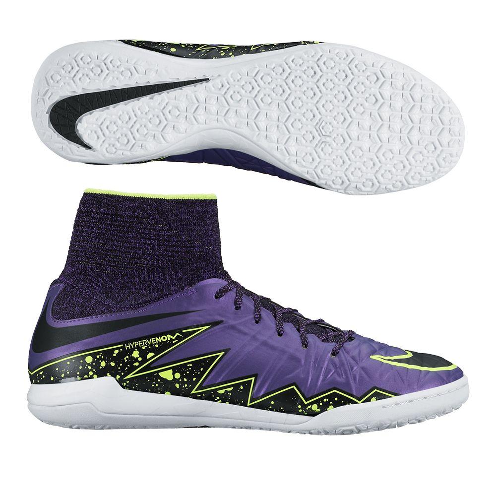 Les 25 meilleures id es de la cat gorie jeunes chaussures for Chaussure de soccer interieur