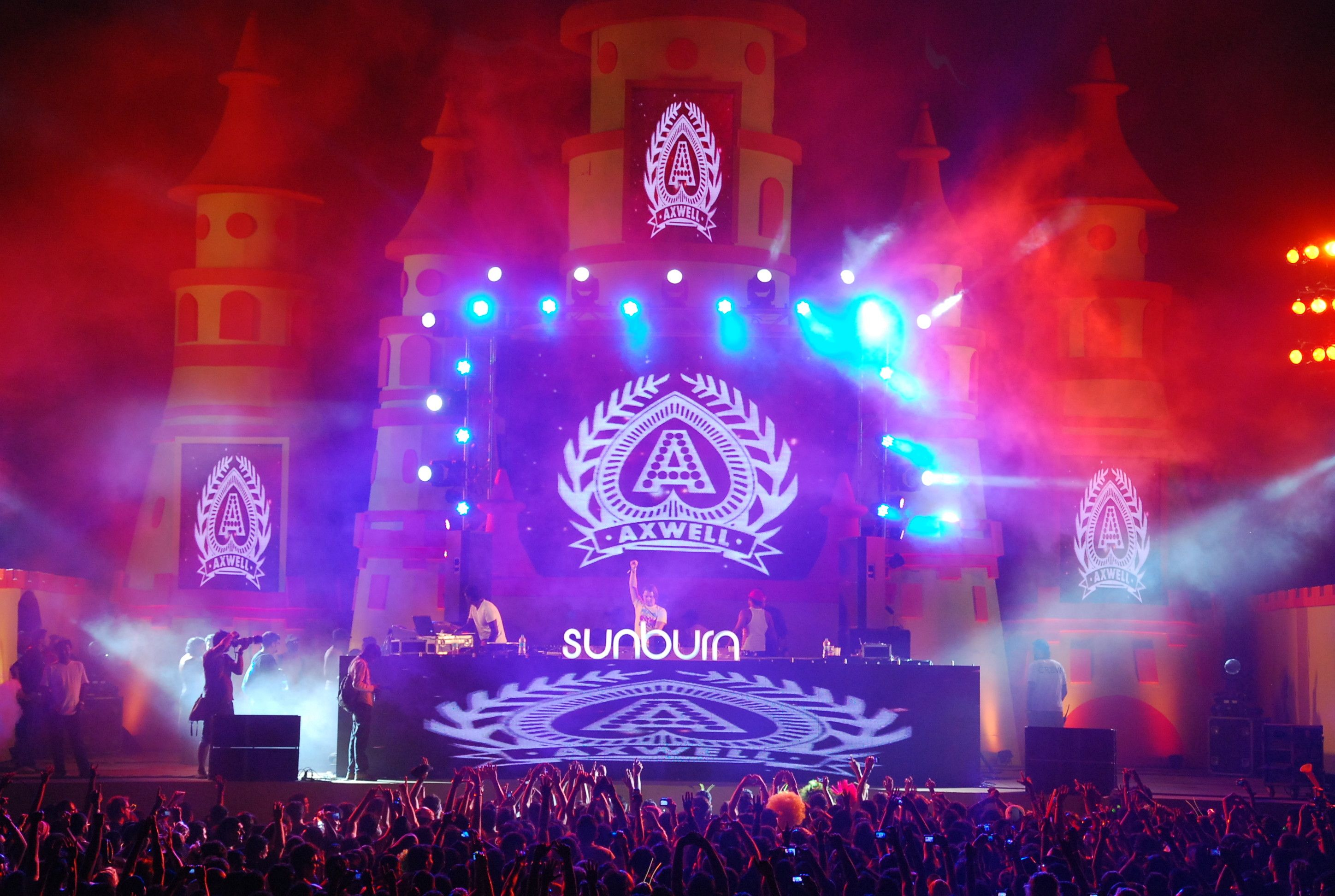 81 Edm Festival Wallpapers On Wallpaperplay With Images Music
