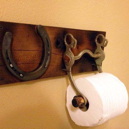 DIY Toilettenpapierhalter / Toilet Paper Holder With An Old Horse Bit And  Horse Shoe.