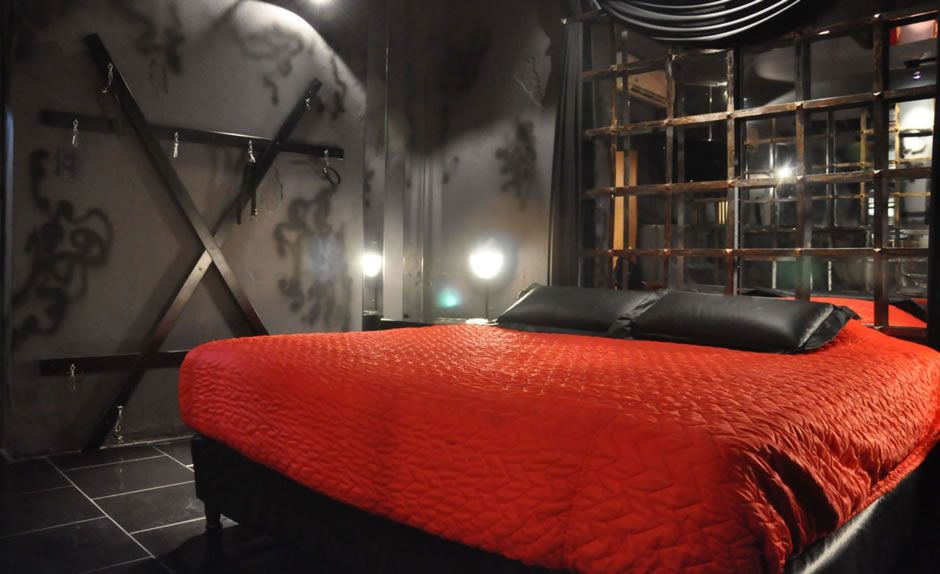 Bondage hotel rooms or cabins