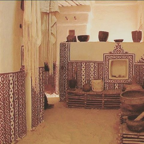 Typical Arabesque Like Interior Design Work On Whitewashed Walls In Walata Mauritania نموذج من الزخرفة و الديكور الداخلي للبيوت في مدينة ولاتة Painting Art
