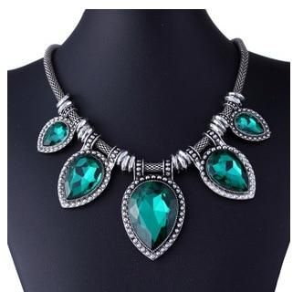 Fashion Green Chokers Necklaces For Women Silver-Color Choker Chain Statement Necklace Luxury Crystal Pendant Collier Femme 100% Brand new and high quality Material: Crystal and Alloy Package: Opp bag