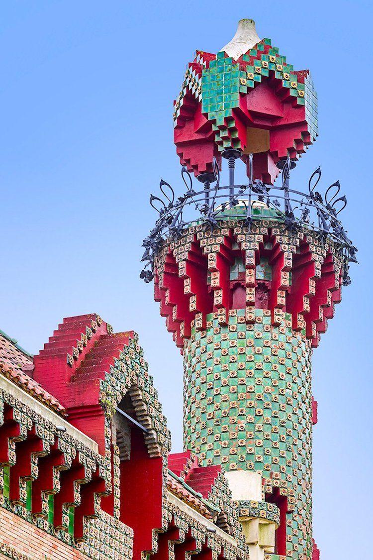 Vibrant Photos Immortalize Antoni Gaudí's Colorful 'El ...