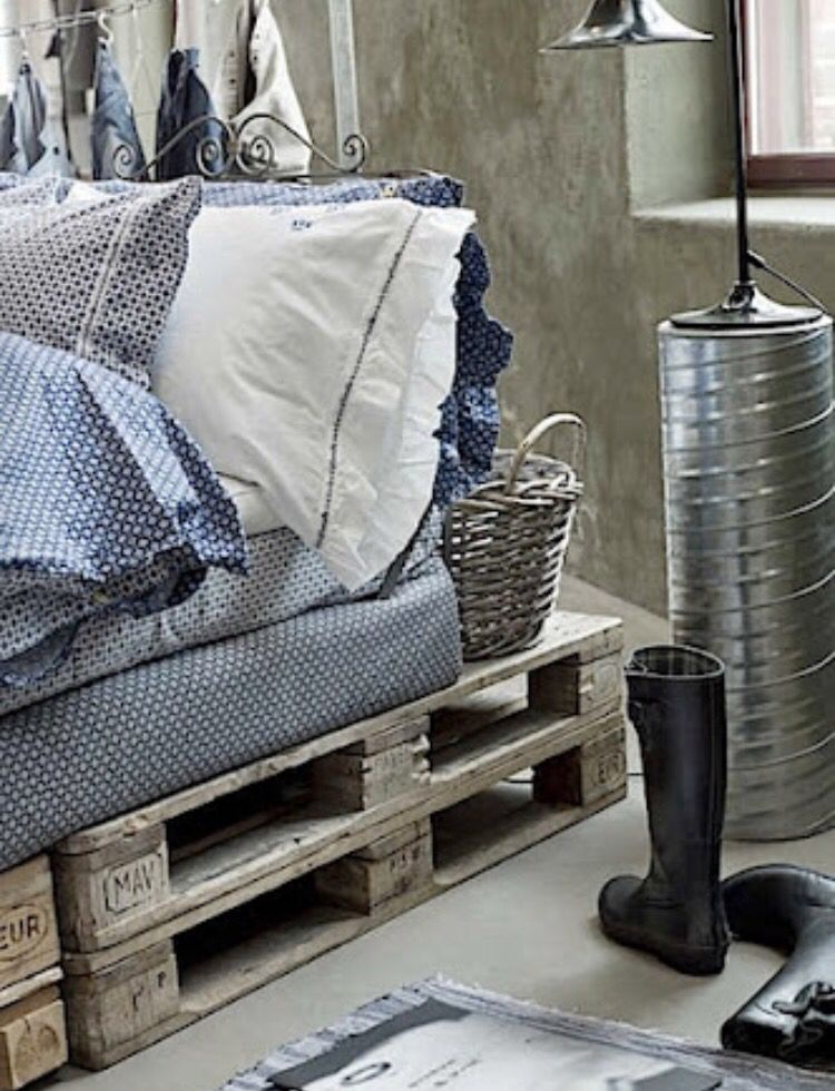 wooden pallet crate bed furniture