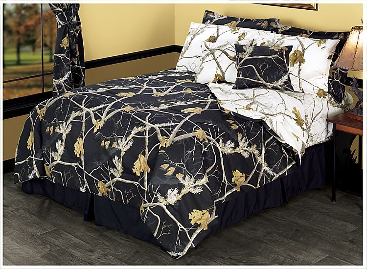 Bass Pro Shops Realtree Apc Reversible Black And Snow Bedding