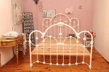 NORMANDY EXCELLENT CONDITION QUEEN BED BY KERUSE AND ...